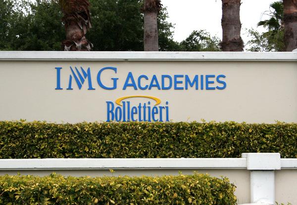 Cine face antrenament mental la Nick Bollettieri Tennis Academy (NBTA)