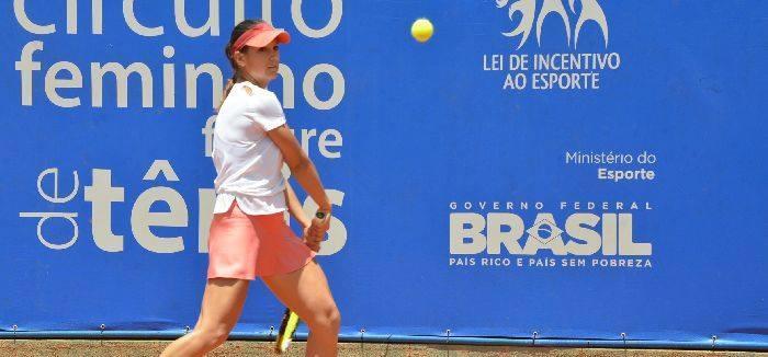 Mulţi români în turnee ITF
