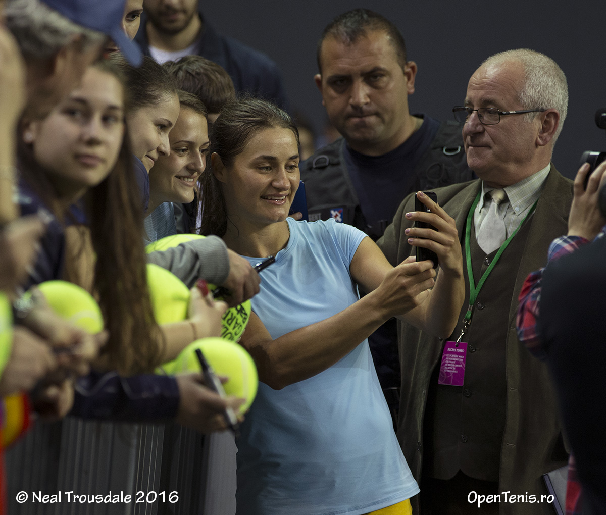 Antrenamentele echipei României înainte de prima întâlnire cu Germania (Fed Cup)