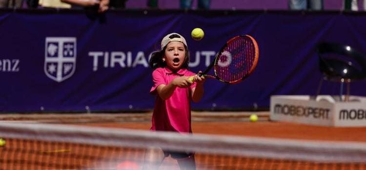 Sute de copii au jucat tenis cu Dulgheru şi Ruse