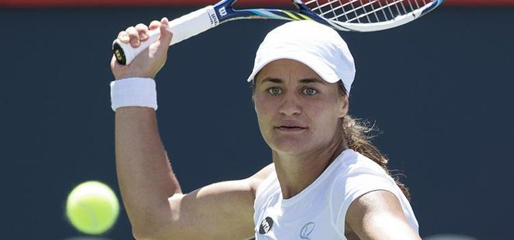 Meciul Monica Niculescu - Agnieszka Radwanska în imagini