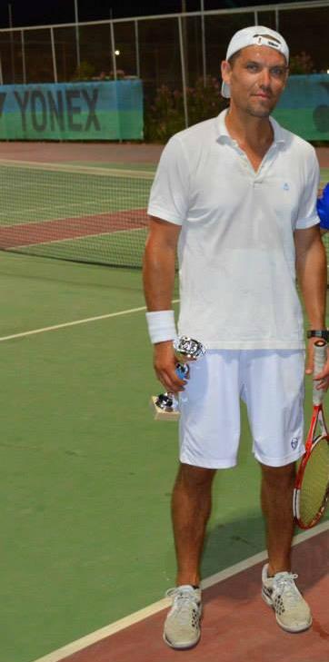 Antrenorul de tenis și Sparing Partener