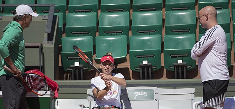 Imagini de la antrenamentul de joi al Simonei Halep la Roland Garros
