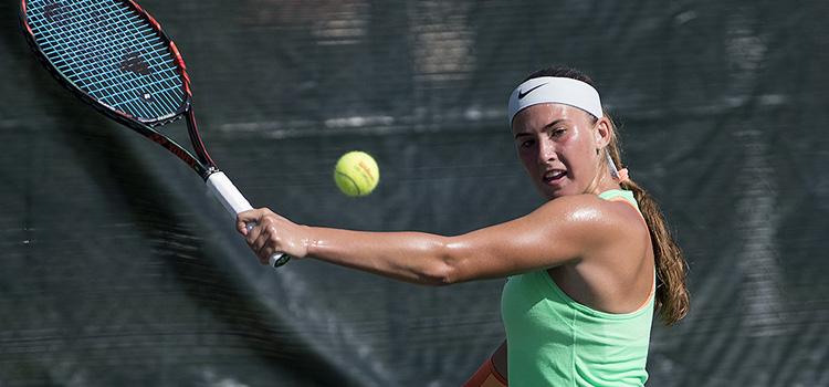 Imagini de la meciul Corneanu - Sorokko în turul 3 la Orange Bowl