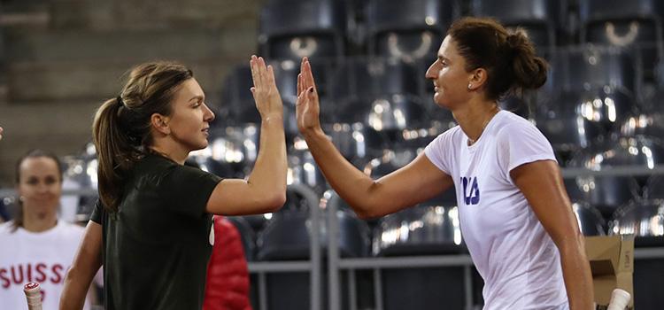 Imagini de la antrenamentul susţinut miercuri de Simona Halep si Irina-Camelia Begu