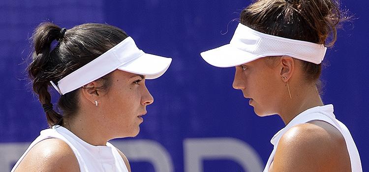 Imagini cu Jaqueline Adina Cristian şi Elena Gabriela Ruse la meciul cu Irina Camelia Begu şi Cristina Andreea Mitu în semifinale la BRD Bucharest Open