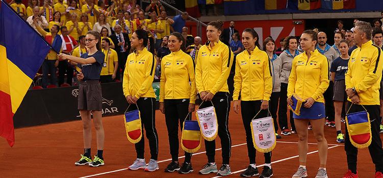 Imagini de la ceremonia de deschidere a confruntării Franţa - România din semifinalele Fed Cup